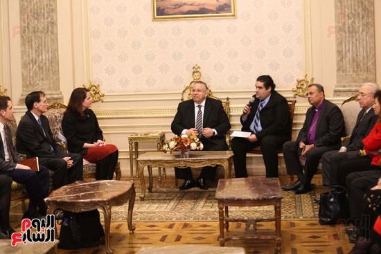 وكيل النواب يستقبل اعضاء الحوار المصرى الأمريكى بمقر البرلمان   (1)
