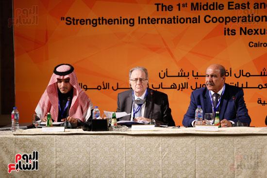 جلسة الإطار القانونى لمكافحة تمويل الإرهاب وغسل الأموال (16)