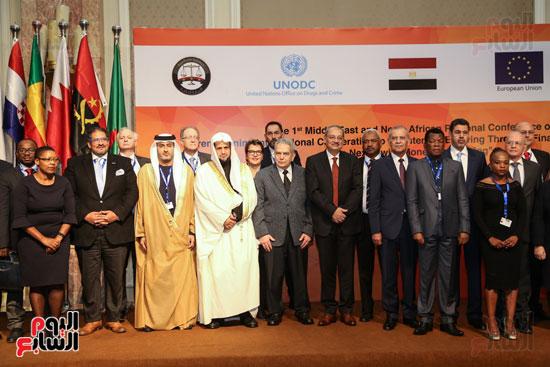 جلسة الإطار القانونى لمكافحة تمويل الإرهاب وغسل الأموال (2)
