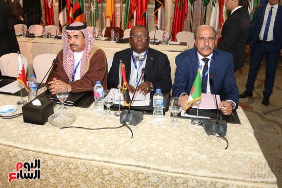 جلسة الإطار القانونى لمكافحة تمويل الإرهاب وغسل الأموال (6)