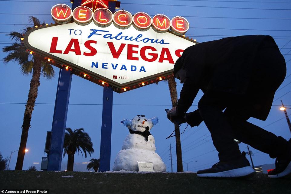 رجل الثلوج فى لاس فيجاس