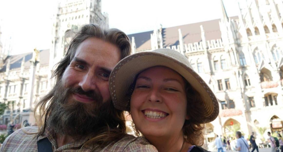 الزوجان اثناء رحلتهما