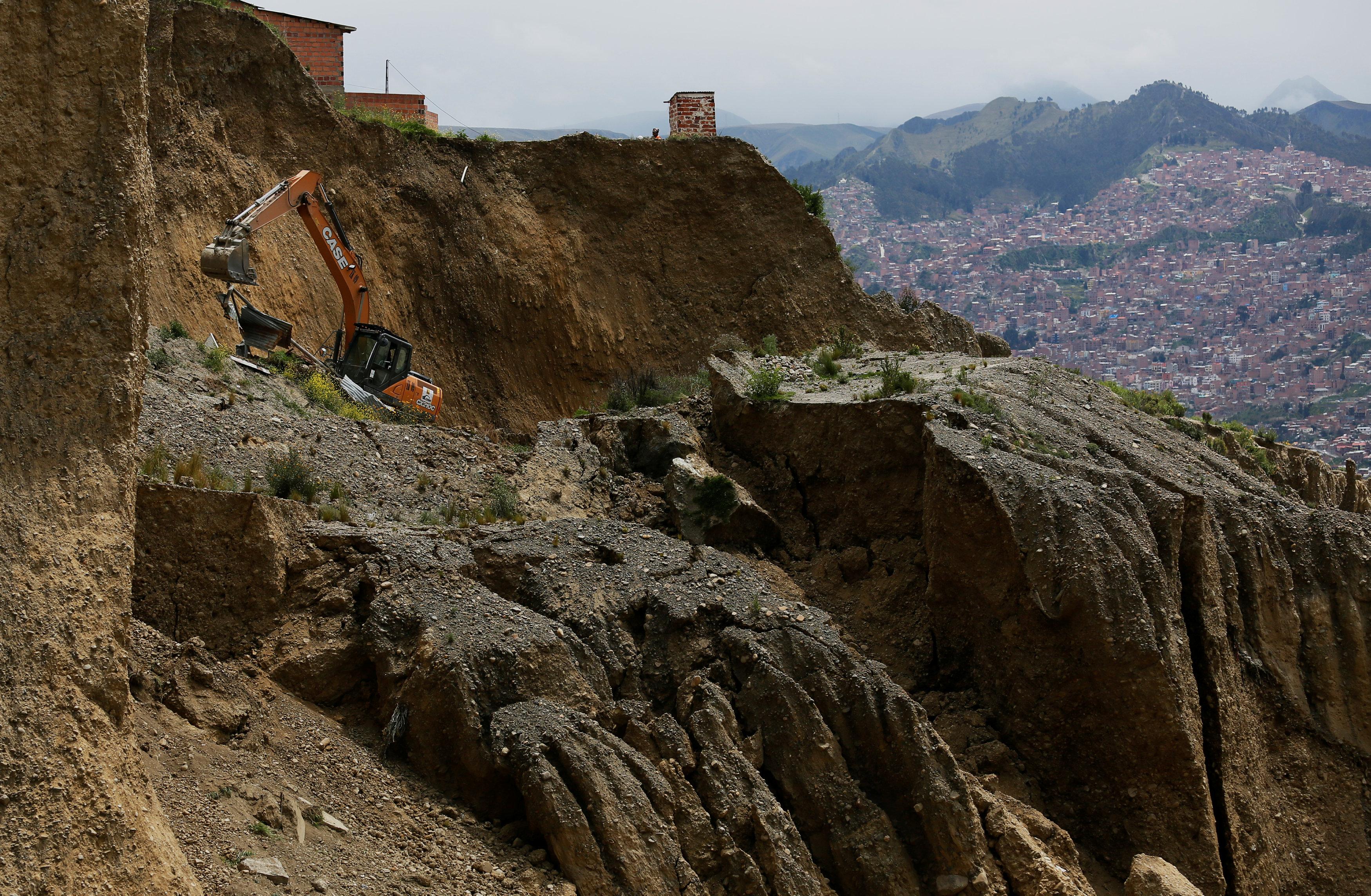 انهيار أرضى فى بوليفيا (3)