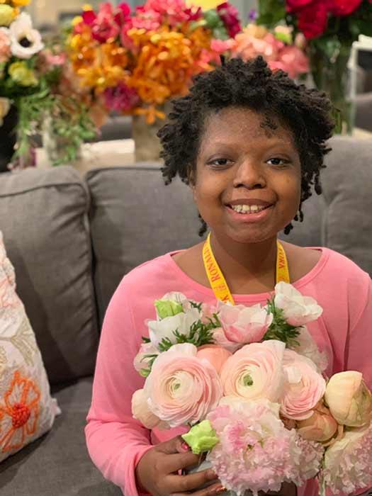 اطفال مرضى السرطان تمتعوا بزهور الدوقة (3)