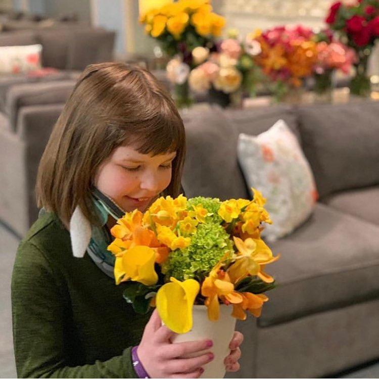اطفال مرضى السرطان تمتعوا بزهور الدوقة (1)