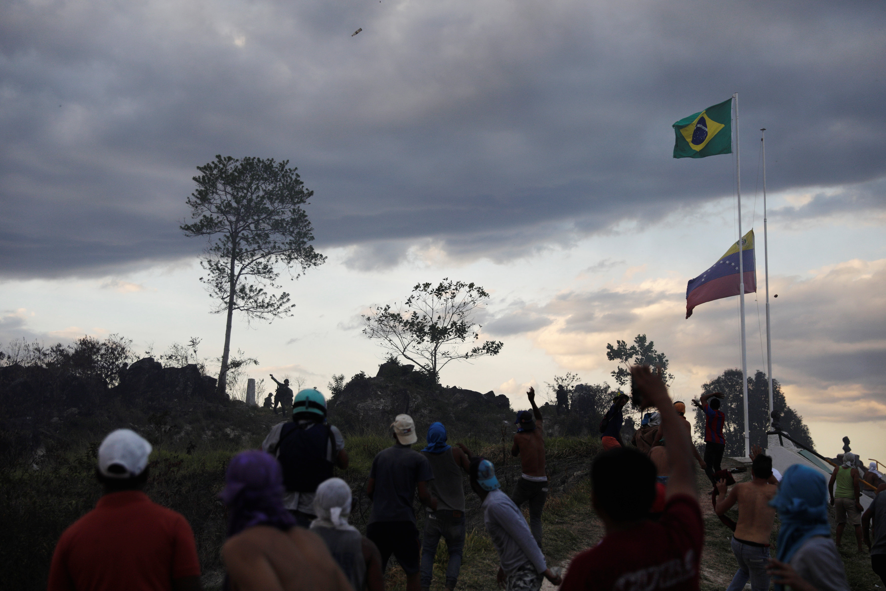 جانب من العنف فى فنزويلا (18)