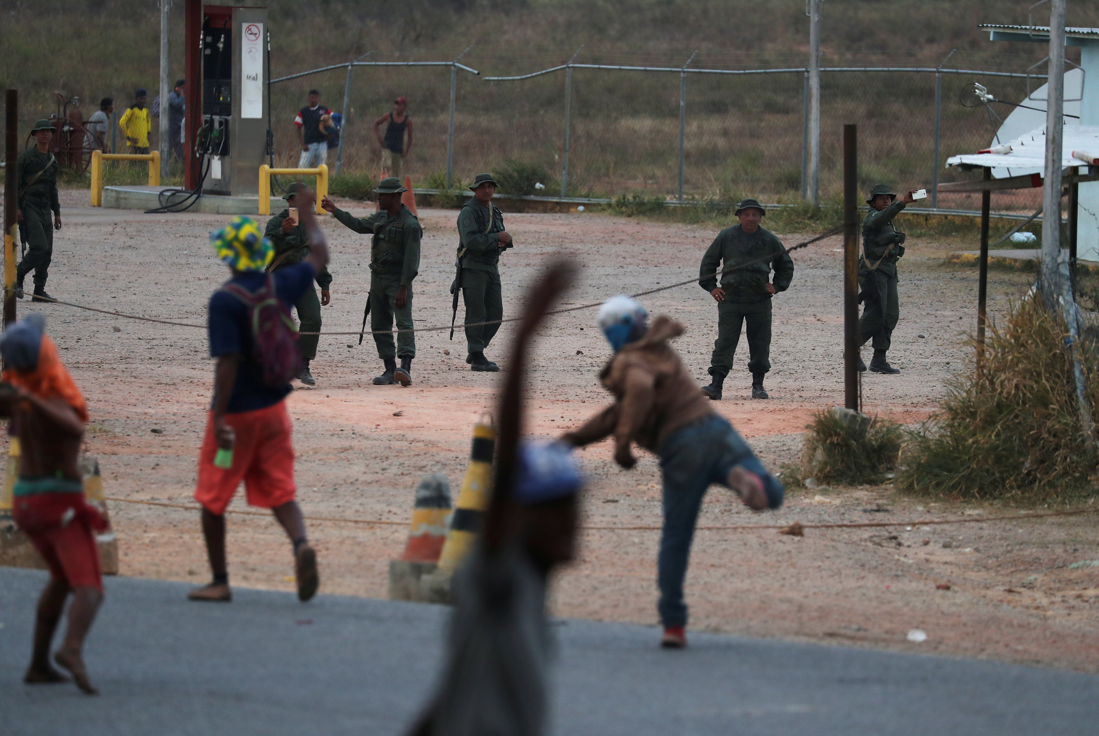 جانب من العنف فى فنزويلا (14)