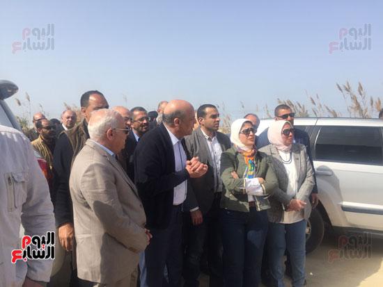 جولة-وزيرة-الصحة-ومحافظ-بورسعيد-بمستشفى-بحر-البقر-(8)