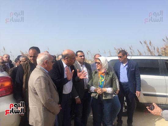 جولة-وزيرة-الصحة-ومحافظ-بورسعيد-بمستشفى-بحر-البقر-(6)