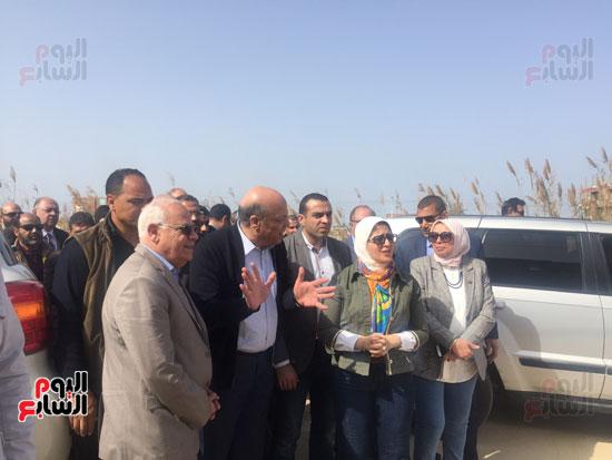 جولة-وزيرة-الصحة-ومحافظ-بورسعيد-بمستشفى-بحر-البقر-(7)