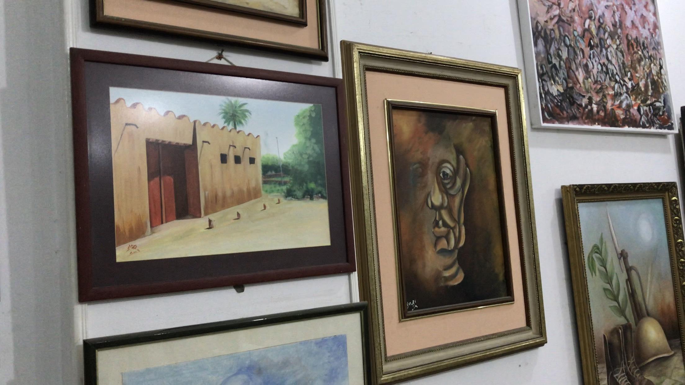 فنان تشكيلى يجسد تاريخ سيناء بالرسوم (9)