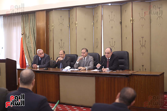 اجتماع لجنة المشروعات المتوسطة والصغيرة ومتناهية الصغر (2)