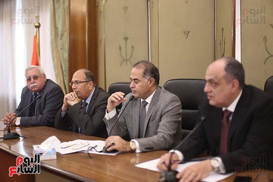 اجتماع لجنة المشروعات المتوسطة والصغيرة ومتناهية الصغر (4)