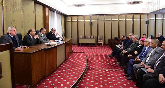 اجتماع لجنة المشروعات المتوسطة والصغيرة ومتناهية الصغر (8)