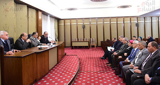 اجتماع لجنة المشروعات المتوسطة والصغيرة ومتناهية الصغر (9)