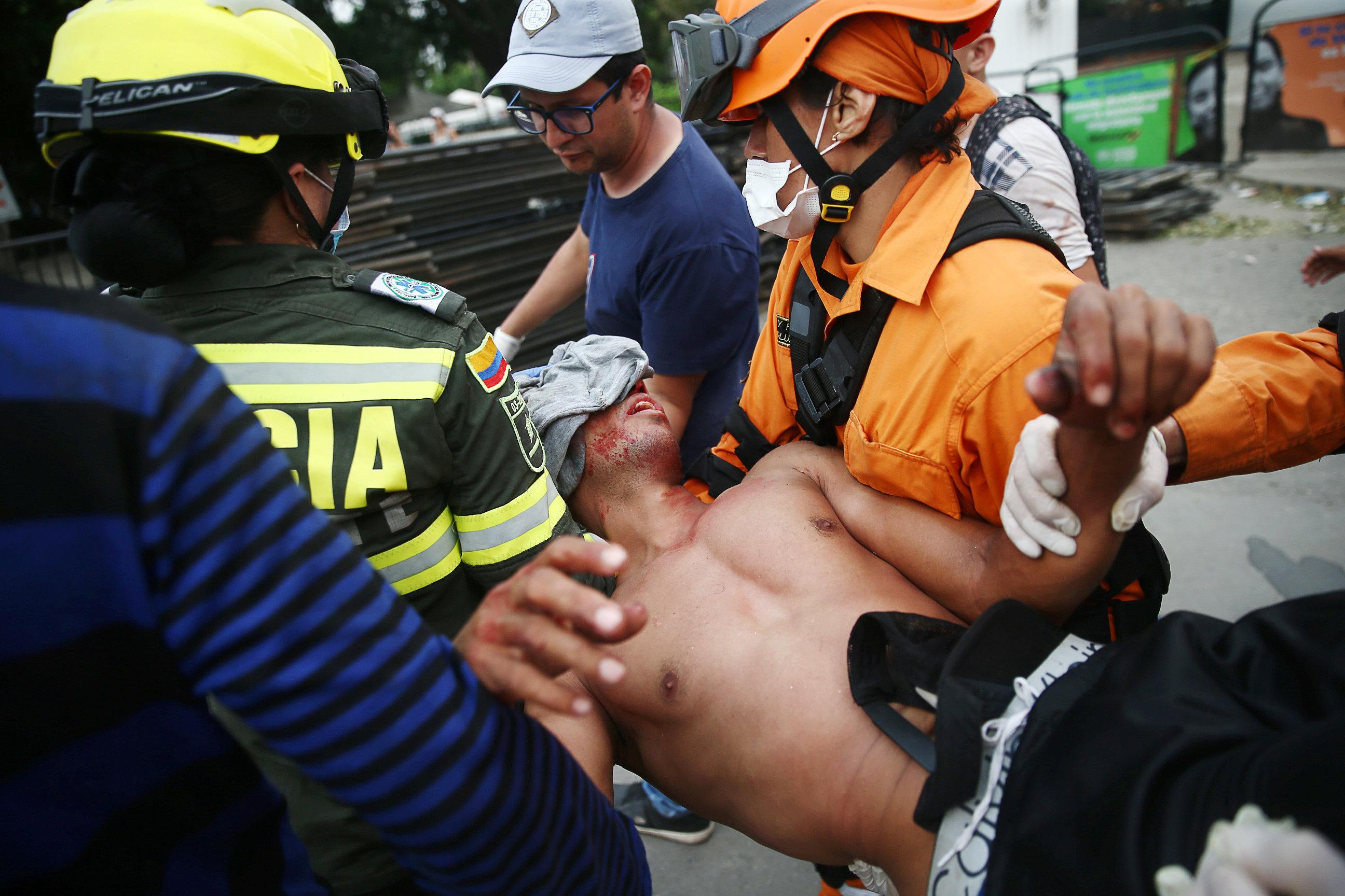 جانب من العنف فى فنزويلا (17)