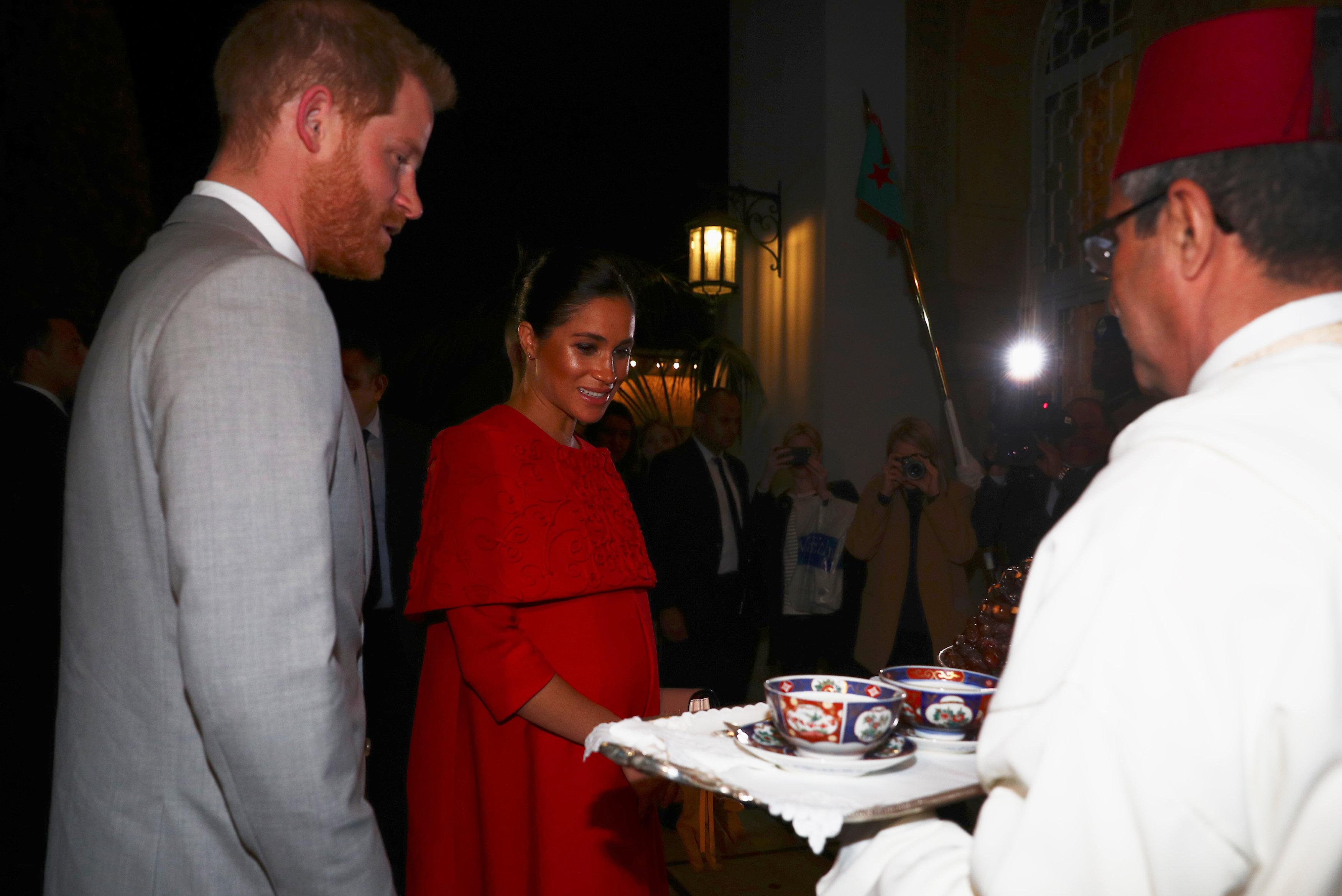 الأمير هارى وزوجته يصلان المغرب (7)