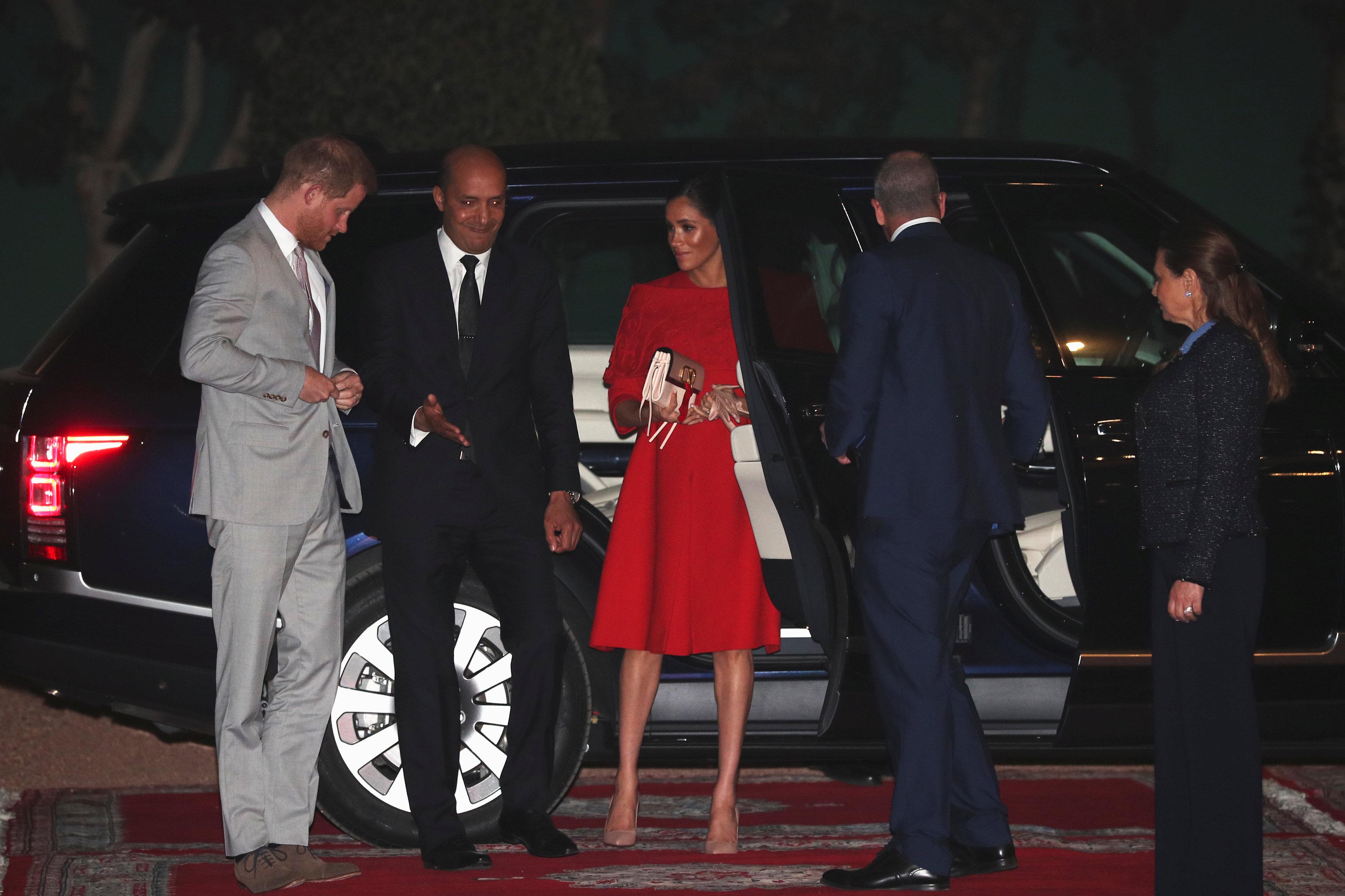 الأمير هارى وزوجته يصلان المغرب (6)