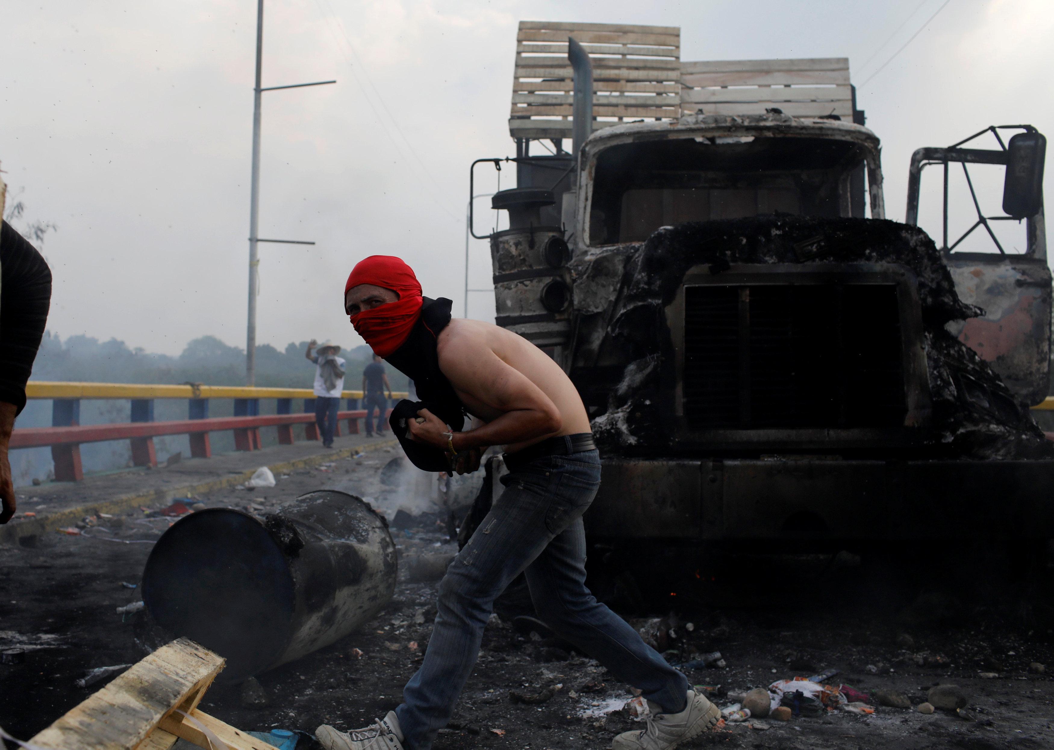جانب من العنف فى فنزويلا (1)
