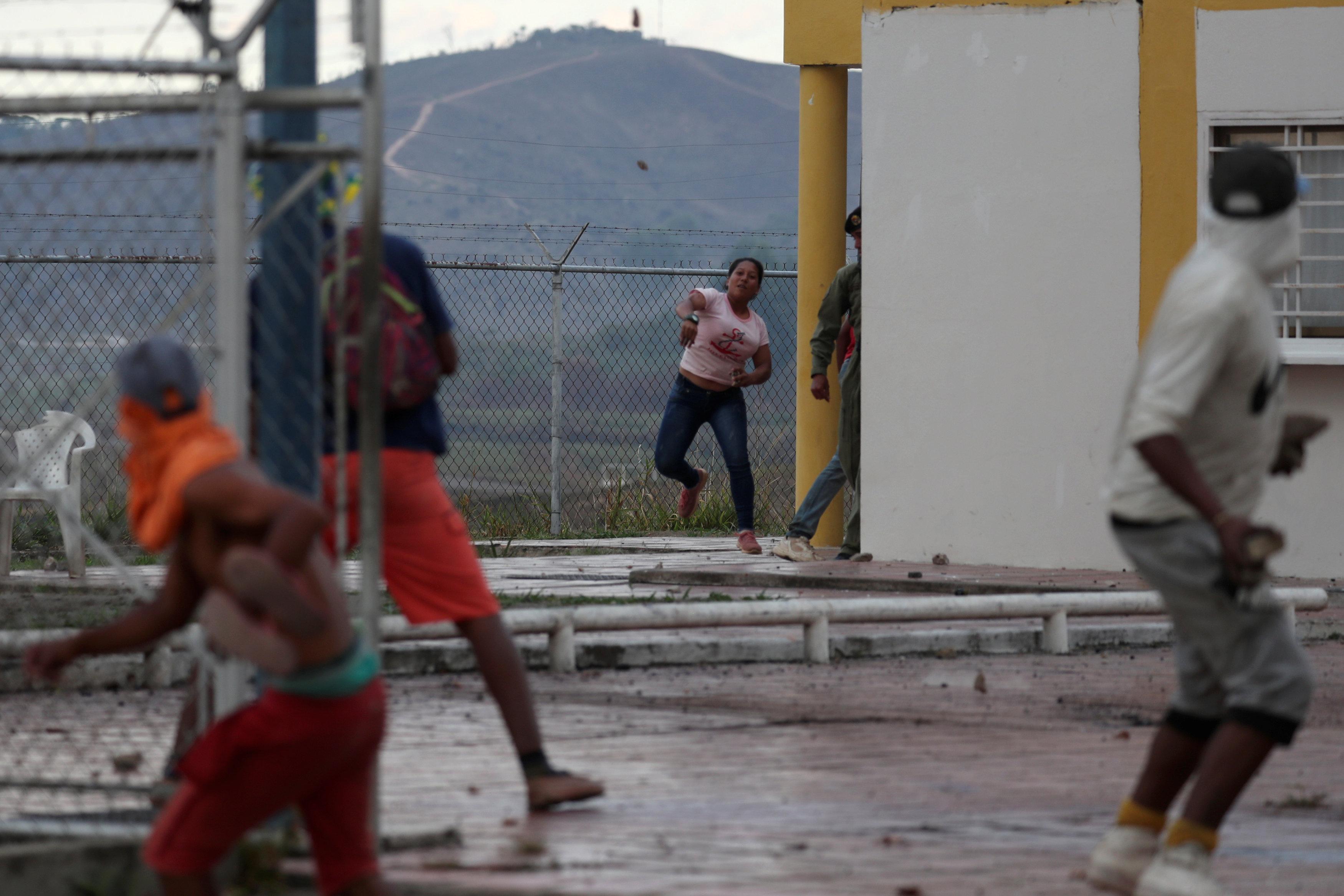 جانب من العنف فى فنزويلا (2)