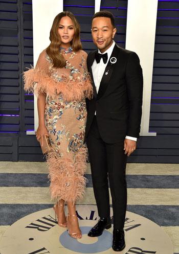المغنى-جون-ليجند-وزوجته-عارضة-الأزياء-كريسى-تيجن