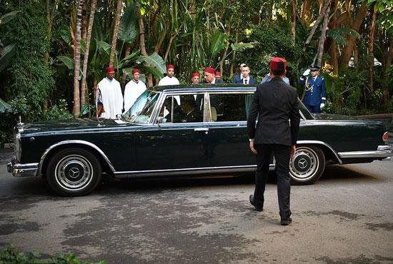 الزوجان يصلان مقر اقامه الملك