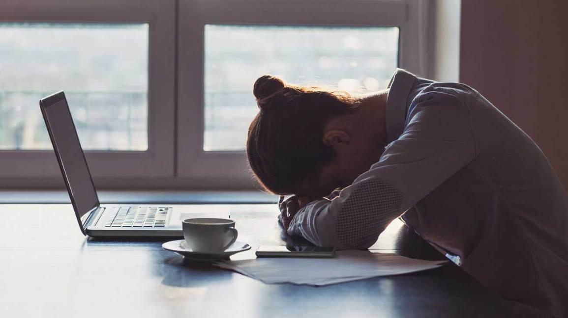 الشعور بالتعب من اعراض نقص فيتامين ب
