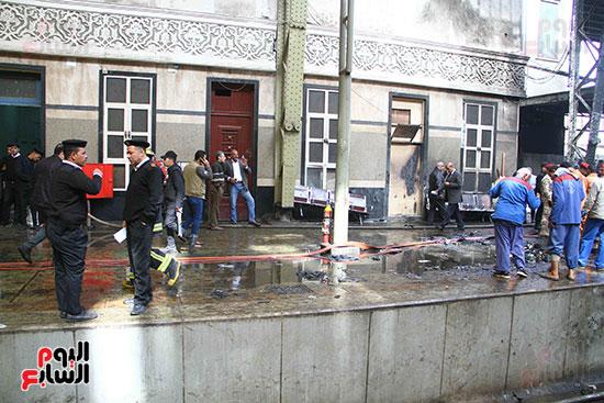 بالصور القصة الكاملة لأسباب حادث حريق محطة مصر 80438-حريق-مح�