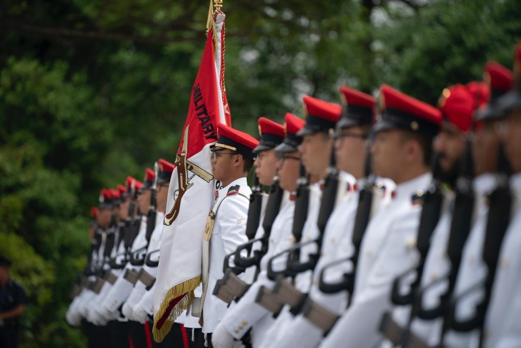 رئيسة سنغافورة تستقبل ولى عهد أبوظبى محمد بن زايد (1)