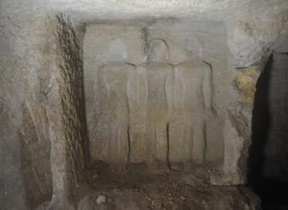 مقبرة اثرية 2