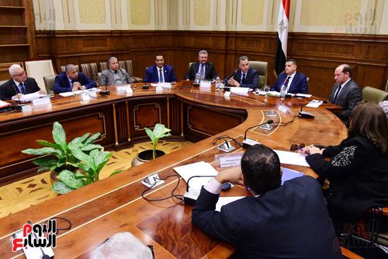 لجنة الشئون الأفريقية (4)