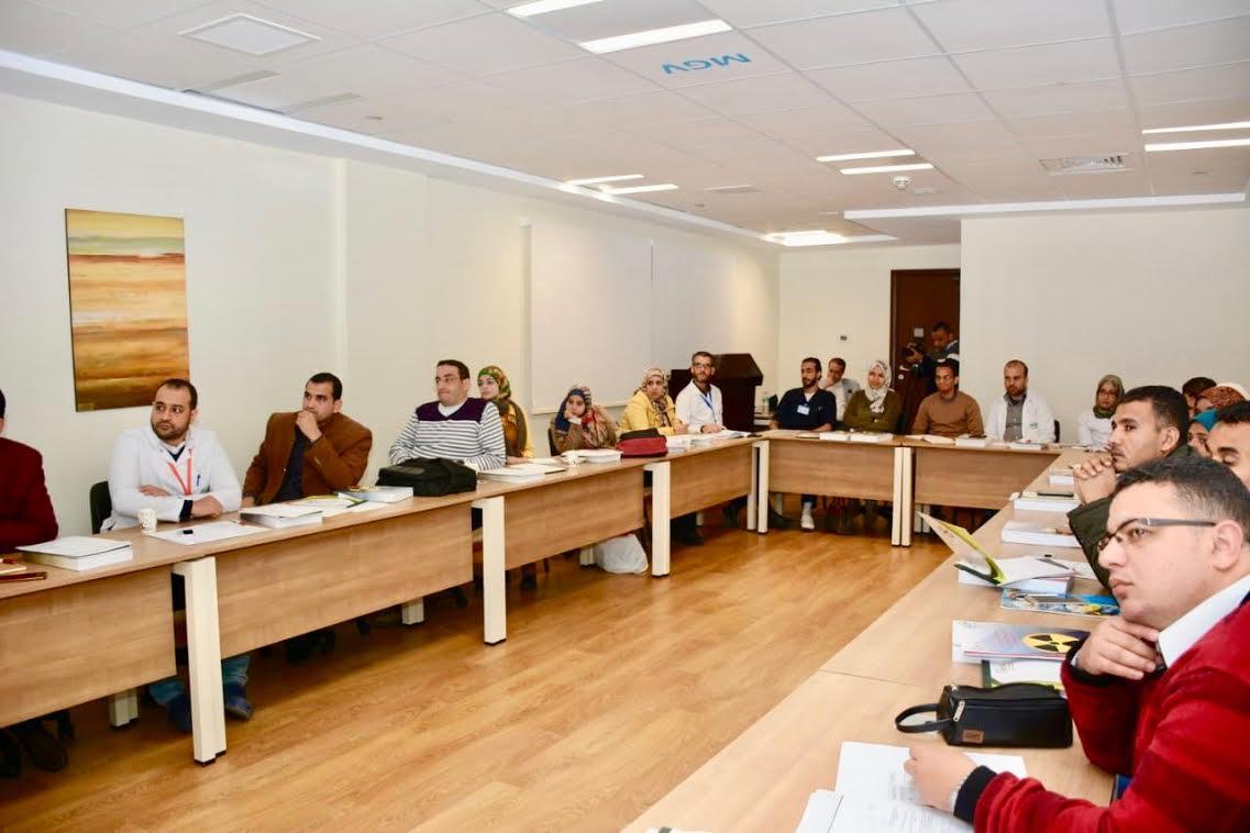 برنامج تدريبي توعوي للعاملين في مستشفى علاج السرطان (3)