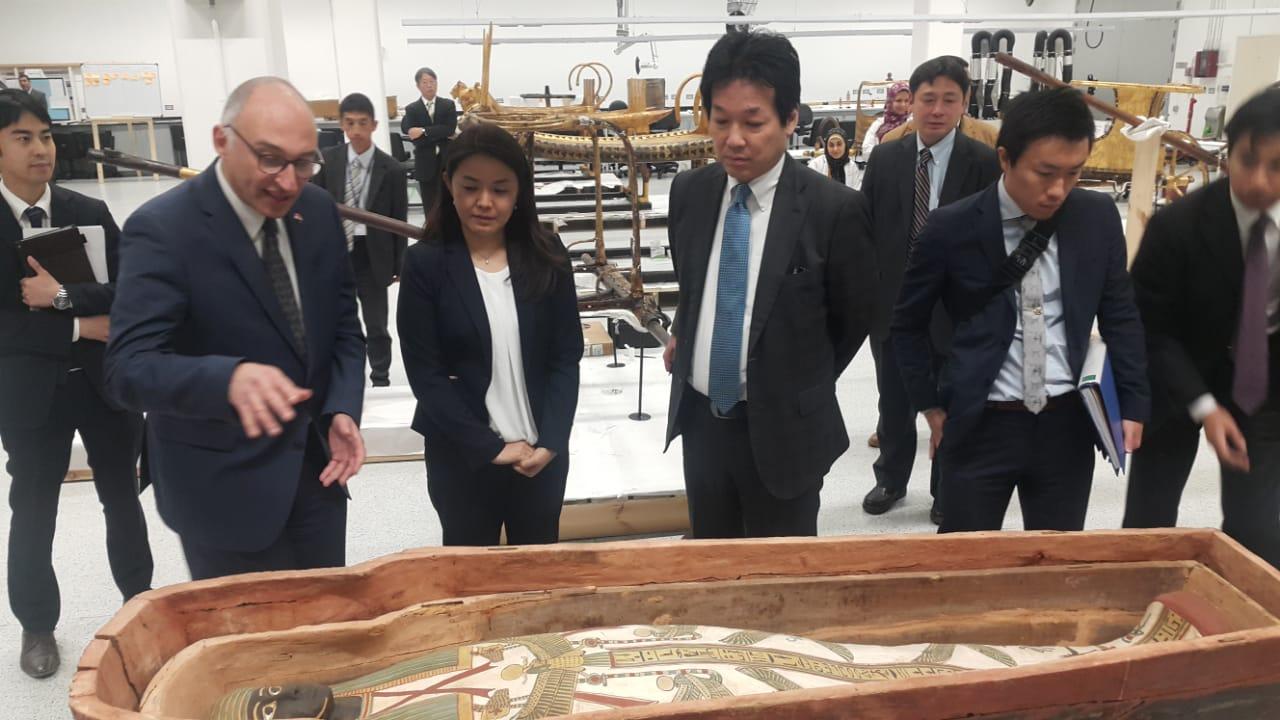 مستشار رئيس الوزارء اليابانى يزور المتحف المصري الكبير (1)