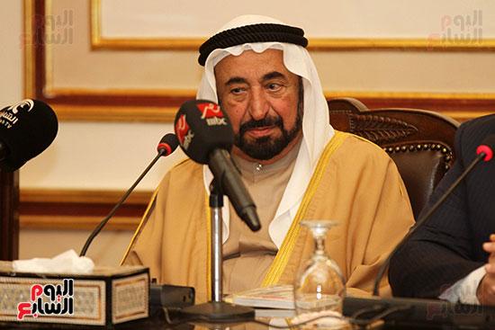 الشيخ سلطان القاسمى خلال زيارته لجامعة القاهرة (14)