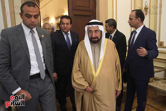 الشيخ سلطان القاسمى خلال زيارته لجامعة القاهرة (1)