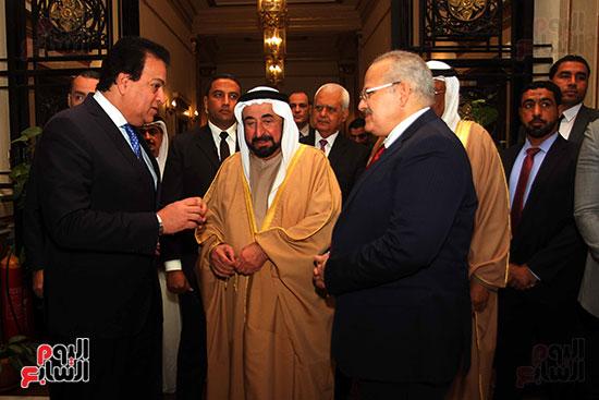 الشيخ سلطان القاسمى خلال زيارته لجامعة القاهرة (8)
