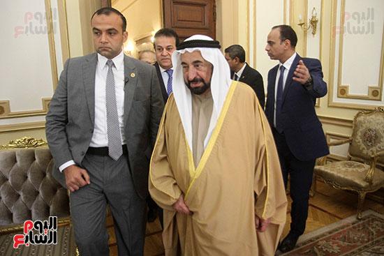 الشيخ سلطان القاسمى خلال زيارته لجامعة القاهرة (2)