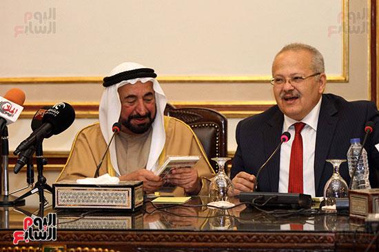 الشيخ سلطان القاسمى خلال زيارته لجامعة القاهرة (26)
