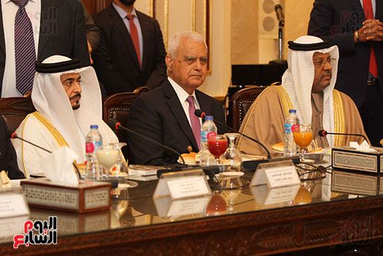الشيخ سلطان القاسمى خلال زيارته لجامعة القاهرة (12)