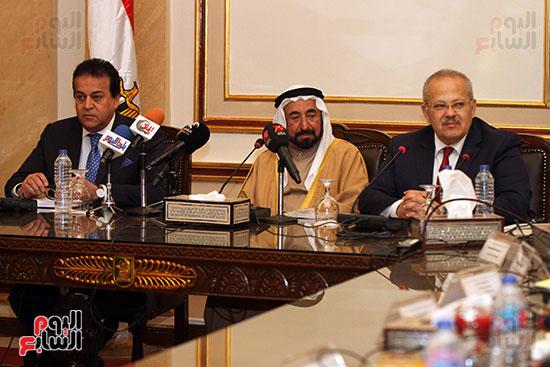 الشيخ سلطان القاسمى خلال زيارته لجامعة القاهرة (11)