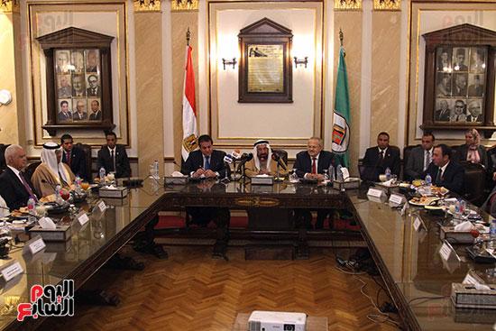 الشيخ سلطان القاسمى خلال زيارته لجامعة القاهرة (23)