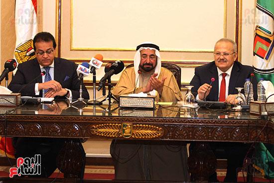 الشيخ سلطان القاسمى خلال زيارته لجامعة القاهرة (25)