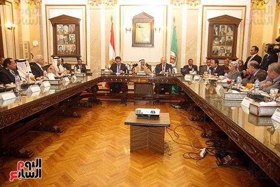 الشيخ سلطان القاسمى خلال زيارته لجامعة القاهرة (19)