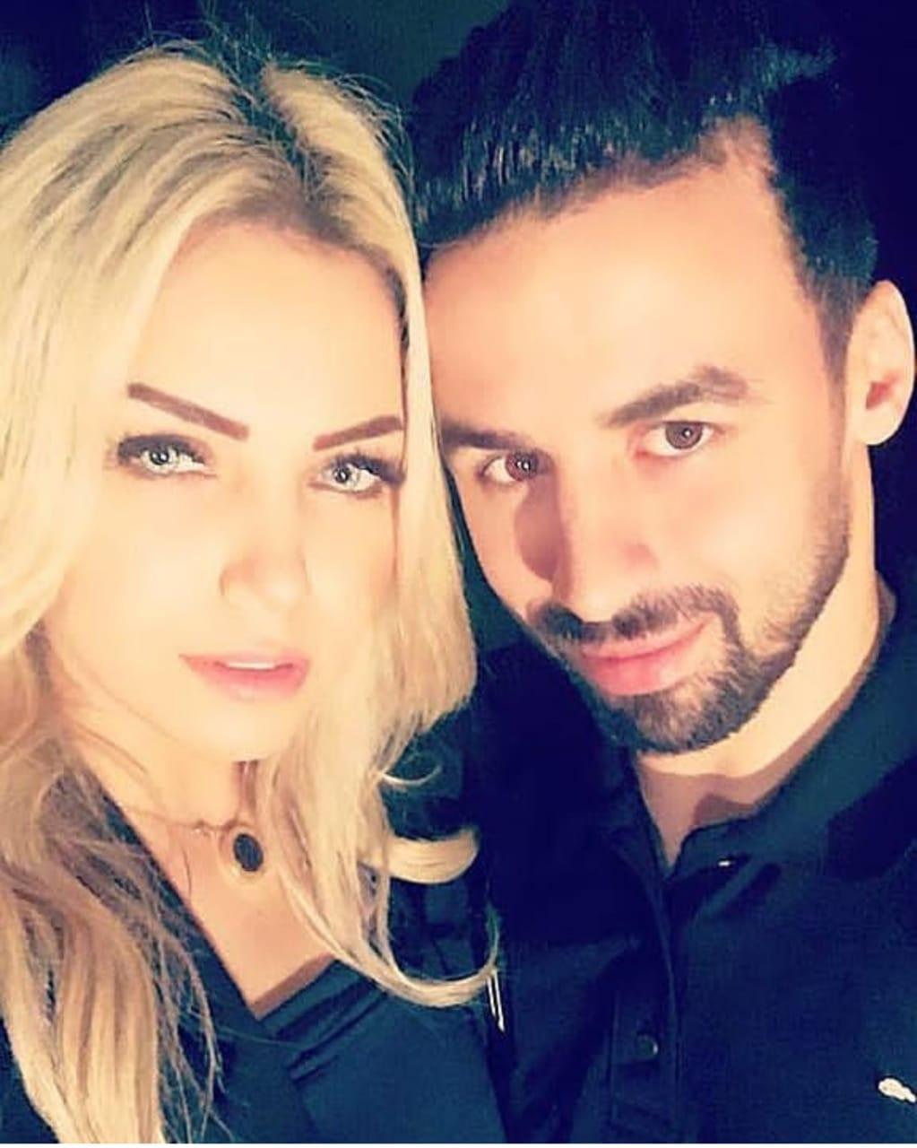 أحمد شديد قناوى و زوجته أية فى صورة سيلفى