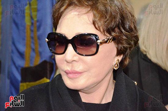 عزاء والدة الفنانة نهال عنبر (44)