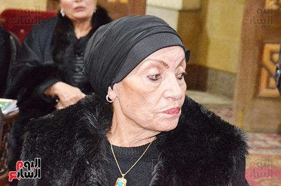 عزاء والدة الفنانة نهال عنبر (54)