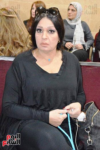 عزاء والدة الفنانة نهال عنبر (80)