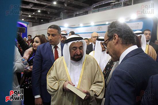 الشيخ سلطان القاسمى فى معرض الكتاب (48)