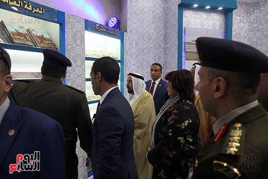 الشيخ سلطان القاسمى فى معرض الكتاب (42)