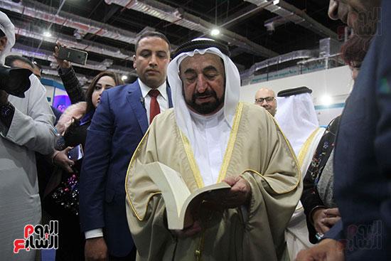 الشيخ سلطان القاسمى فى معرض الكتاب (47)